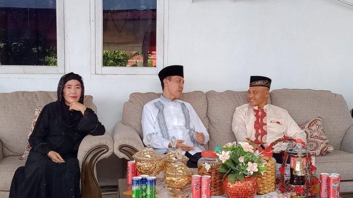 Dandim Letkol Inf Sigit Dwi Cahyono Kunjungi Rudis Bupati Iskandar Kamaru, Makan Ikan Bakar