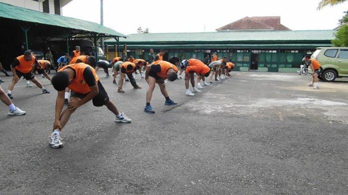 Dandim Minahasa dan Jajaran Awali Aktivitas dengan Aerobik
