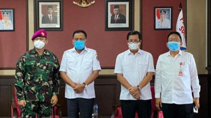 Kolonel Marinir I Wayan Ariwijaya Berkenalan Dengan Olly Dondokambey