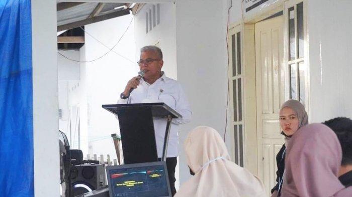 Hadiri Debat Ilmiah Persatuan Pelajar Mahasiswa Bolmut, Ini Pesan Wabup Amin Lasena