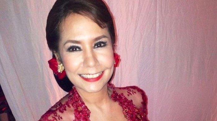 Sosok Artis Debby Sahertian, Terkenal Sebagai Pelopor Bahasa Gaul di Indonesia
