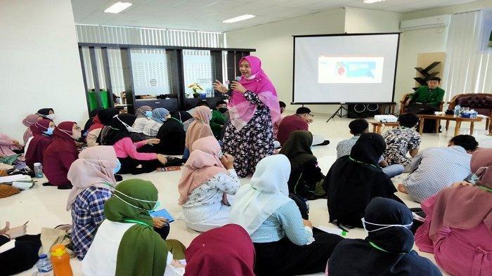 Dekan FTIK Tingkatkan Keterampilan Inovasi dan Digital Literacy