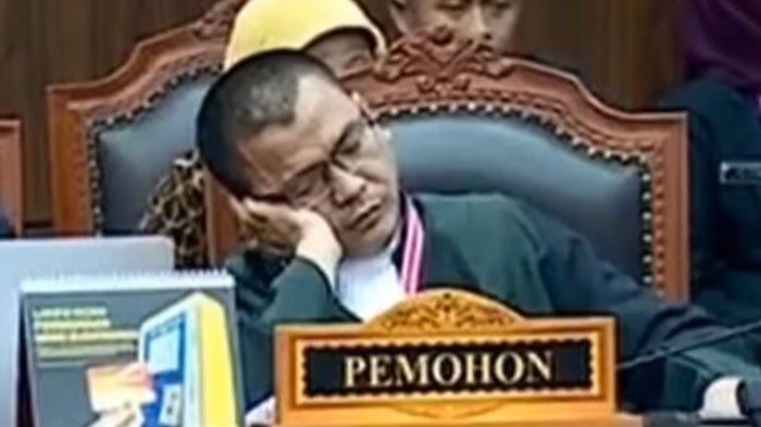 Video Tim Hukum 02 Denny Indrayana Tidur Lelap saat Dengar Hakim MK Baca Putusan Sengketa Pilpres