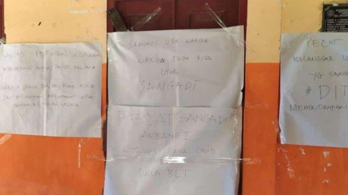 BREAKING NEWS: Kepala Desa Masuk Penerima BST, Warga Ambang Dua Segel Kantor Desa