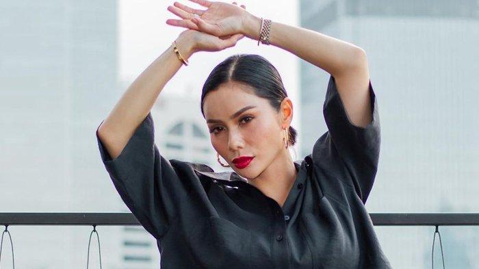 Devi Lanni Akui Bangga Didenda Rp 250 Ribu Karena Tak Pakai Masker di Dalam Mobilnya Sendiri
