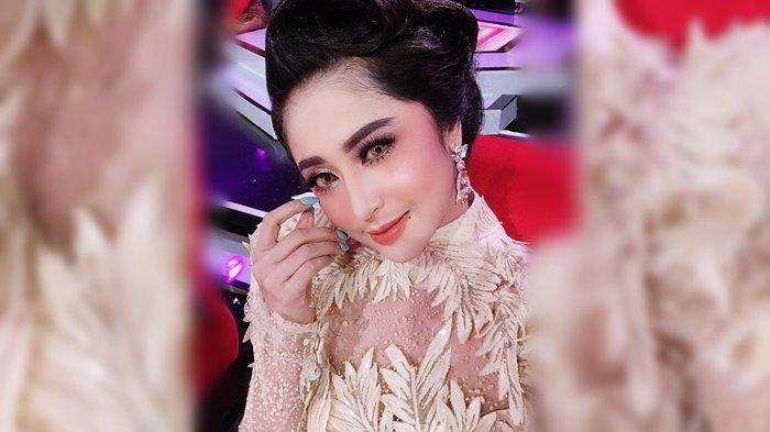 Dewi Perssik di Indosiar