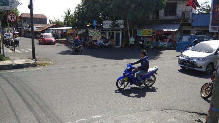 Di Manado sejumlah kamera pengintai atau CCTV telah terpasang di sejumlah titik jalan.