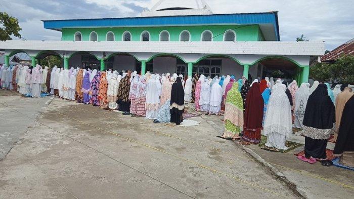 BREAKING NEWS: Salat Idul Adha di Lolak Berlangsung Khusyuk