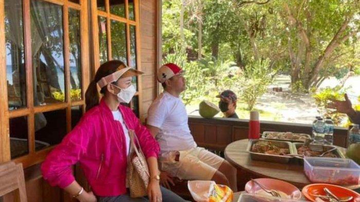 Cantiknya First Lady Minahasa Utara Kala Mengunjungi Pantai Kinunang