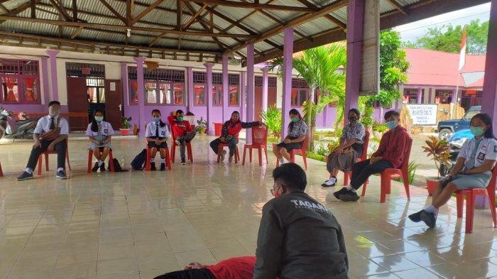 Dinsos Sulut menggelar kegiatan Tagana Masuk Sekolah di beberapa sekolah di Kota Bitung, Provinsi Sulawesi Utara, Rabu (2/12/2020).