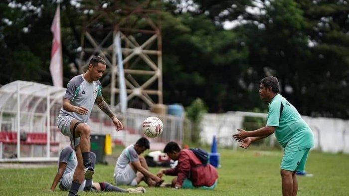 Dirga Lasut Bakal Tak Dimaikan Ricky Nelson di TC Yogyakarta