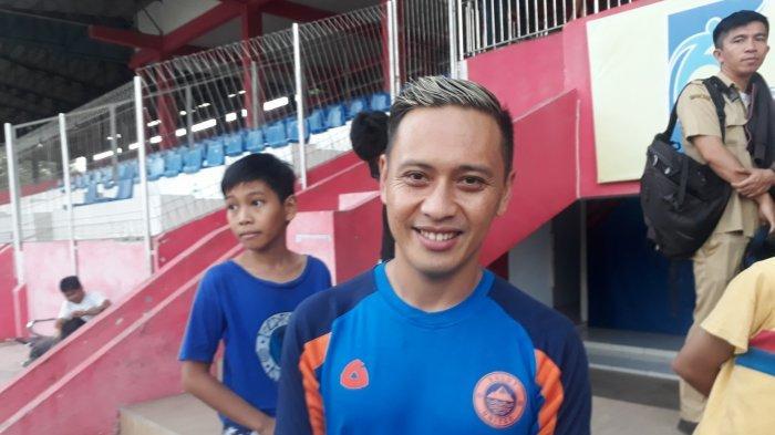Dirga Lasut Latihan Perdana Bersama Sulut United