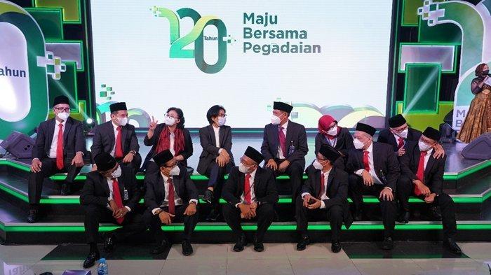 Dirut Pegadaian, Kuswiyoto dan jajaran Direksi Pegadaian saat doa syukur HUT ke-120 Pegadaian, Kamis 1 April 2021.
