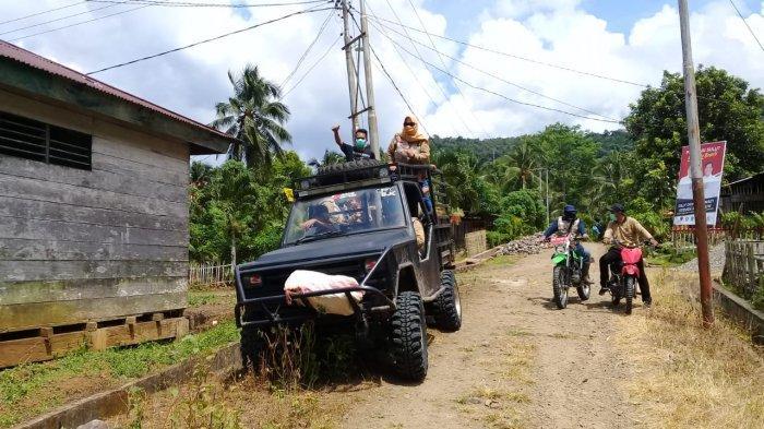 Kendarai Mobil Rambo, Lewati Delapan Sungai, Para Dokter Ini Layani Desa Terpencil