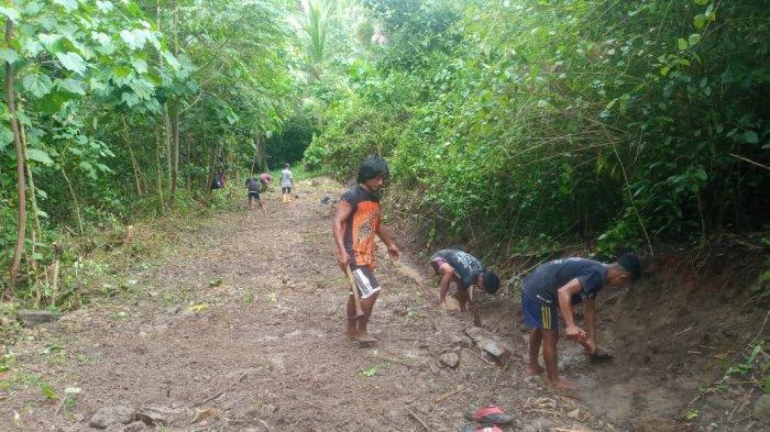 Dorong Ekonomi Masyarakat, Pemdes Modisi Bolsel Lakukan Program Padat Karya Tunai Desa