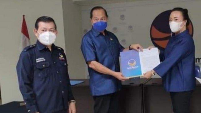 Terima SK Sebagai Plt Ketua DPD NasDem Tomohon, Chermat Nyatakan Siap Hadirkan Kader Pro-Rakyat