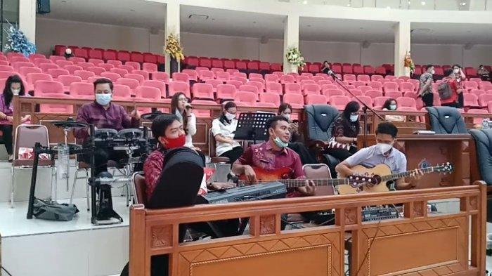 DPRD Sulut Siapkan Live Musik di Ruang Rapat Paripurna