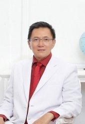 dr Royke Burhan