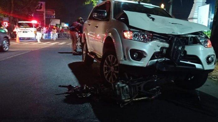 Kecelakaan Maut Tadi Malam Pukul 00.15 WIB, Pemotor GL Max Tewas Tabrak Pajero, Melebihi Garis Marka