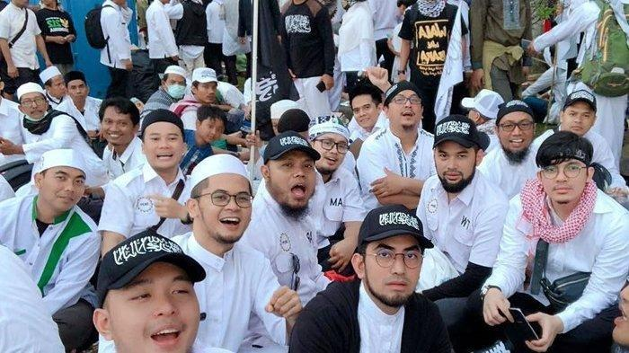 Terjun Reuni 212 di Monas Jakarta 2 Desember 2018, Begini Doa Haru Dude Herlino hingga Teuku Wisnu!