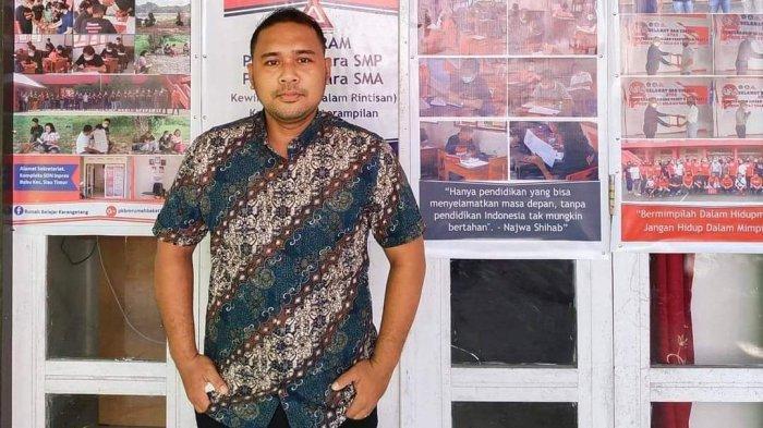 Eka Candra Kahiking, Guru Inspiratif Pencetus Berdirinya PKBM Rumah Belajar Karangetang