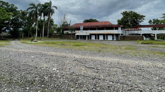 Pemeliharaan Berkala Pelataran Eks Kantor Bupati Bolmong di Kotamobagu Dimulai