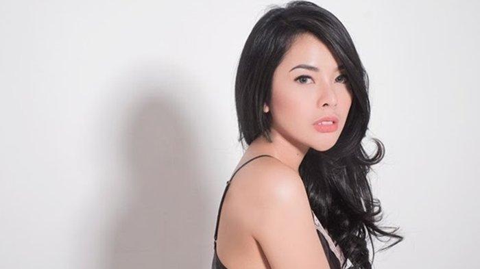 Elvia Cerolline Disomasi Pacar Sesama Jenisnya, Eks Kekasih Billy Syahputra Disindir Netizen