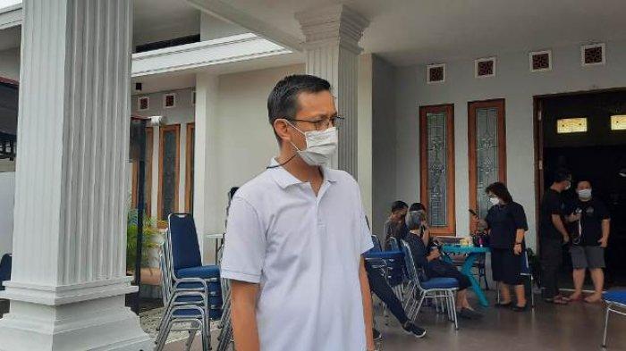 Pelayat Hibur Fabian Sarundajang, Jenazah SHS Tiba di Manado Senin