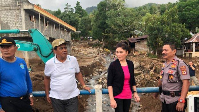 Felly Runtuwene Bawa Bantuan tuk Korban Bencana Sangihe, Nyanyi Kidung Rohani Hanya Dekat Allah Saja