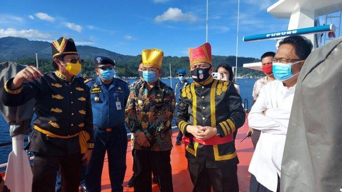 Pjs Gubernur Sulut Naik KN Pasatimpo Buka Festival Pesona Selat Lembeh
