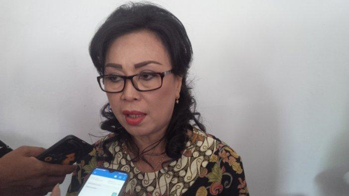 Flora Kalalo Dekan Fakultas Hukum Unsrat Manado
