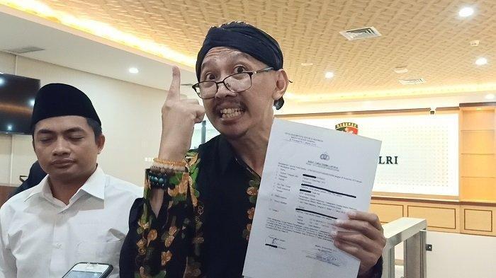 Permadi Arya alias Abu Janda di Bareskrim Mabes Polri, Jakarta Selatan, Jumat (29/11/2019).