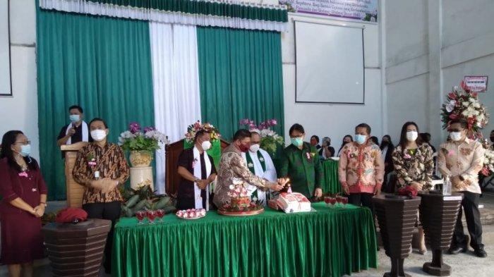 Hadiri HUT Ke-4 Jemaat GMIM Bukit Sion Kayawu, Begini Pesan Wali Kota Tomohon Caroll Senduk