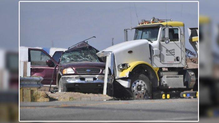 13 Orang Tewas, 12 di Lokasi, 1 di Rumah Sakit, Kecelakaan Maut Tabrakan Mobil SUV & Truk Besar
