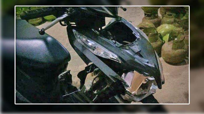 FOTO Sepeda motor yang terlibat kecelakaan di Jalan PUD Desa Lenteng Barat, Kecamatan Lenteng, Sumenep, Sabtu (21/11/ 2020) sekira pukul 18.40 WIB.
