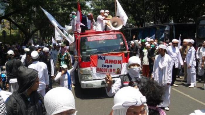 Tim Hukum FPI Terjebak, Bilang Presiden Jokowi Ilegal tapi Ngurus Izin, Habis Sejak 20 Juni 2019