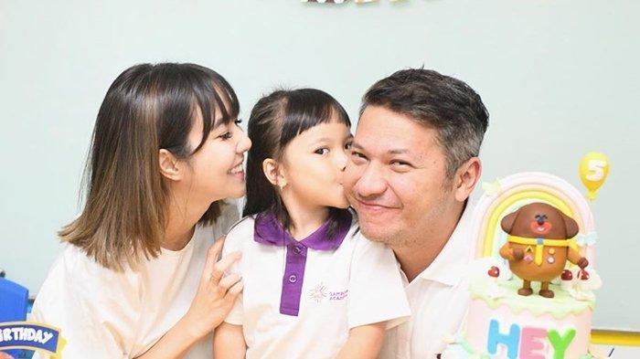 Gading dan Gisel Kompak Rayakan Ulang Tahun Gempi di Sekolah, Intip Foto-fotonya!