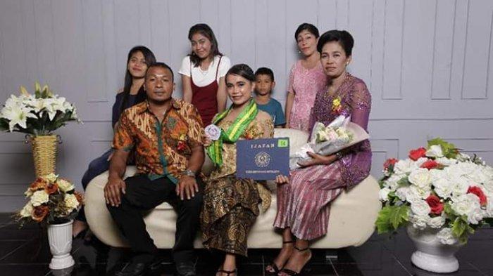 Gadis Asal Halmahera Barat, Sempat Jualan Roti dan kerja di Toko  Sebelum Kuliah di Unsrat