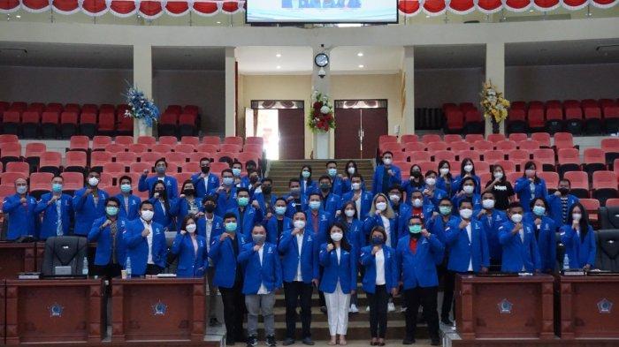 Dewan Pimpinan Daerah (DPD) Gerakan Angkatan Muda Kristen Indonesia (GAMKI) Sulawesi Utara sukses menggelar rapat pleno I di ruang paripurna Dewan Perwakilan Rakyat Daerah (DPRD) Sulut di Kota Manado pada Sabtu (09/10/2021).