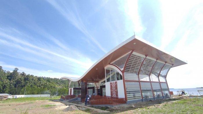 Gedung Pelabuhan Wisata Likupang yang tengah dibangun di Desa Munte, Likupang Barat, Minut.