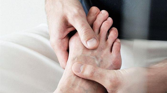 7 Tanda Penyakit Asam Urat, Rasa Sakit pada Jempol Kaki, Kelelahan dan Nyeri di Bagian Tubuh Ini