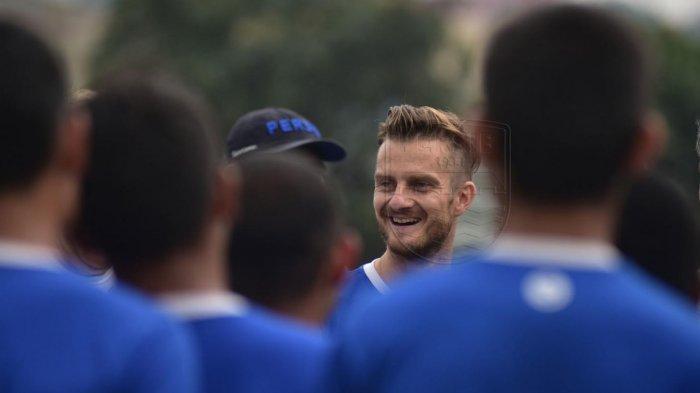 Gelandang Persib Bandung Rene Mihelic Cepat Adapatasi dengan Cuaca, Tak Sabar Bertemu Bobotoh