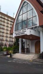 Gereja Masehi Injili di Minahasa (GMIM) Sentrum Manado dan tugu Perang Dunia II