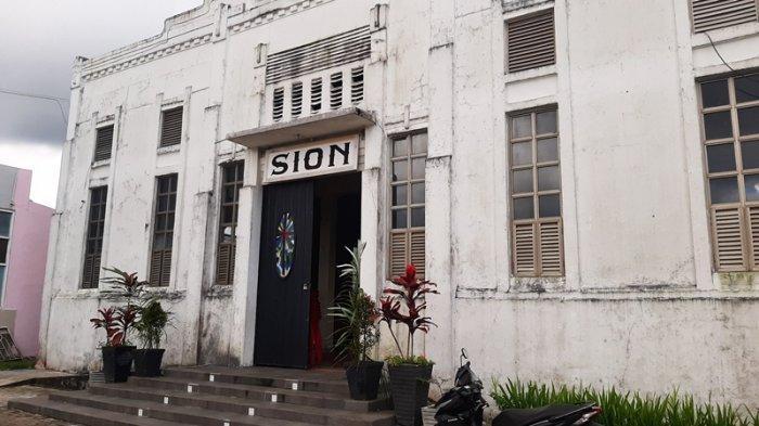 Gereja Sion Tomohon Tempat SMSI GMIM Pertama, Saksi Bisu Soekarno Berpidato di Tanah Minahasa