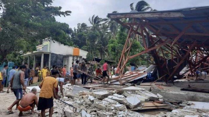 Sebuah Gereja di Kepulauan Talaud Ambruk Diterjang Angin Kencang