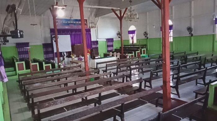 Gereja Tua Malak di Desa Laikit Minahasa Utara.
