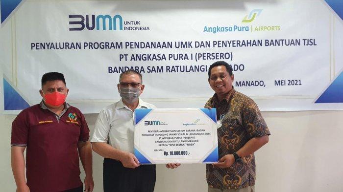 Bandara Samrat Manado Salurkan TJSL, Berbagi Paket Ramadan dan Bantu Sarana Ibadah ke Warga Sekitar