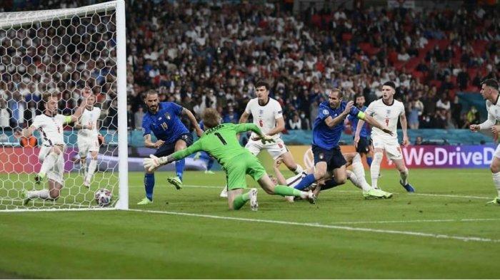Bonucci saat mencetak gol di Final Euro 2020.