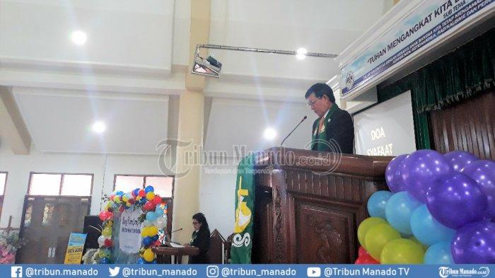 Wali Kota Manado Jadi Khadim di Ibadah Minggu GMIM Eben Haezer Bumber