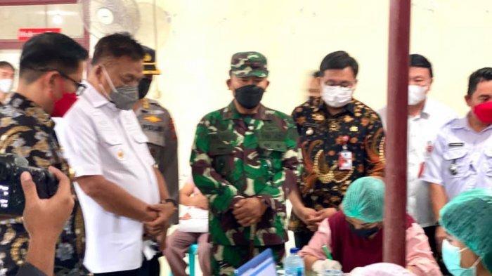 Gubernur Olly Dondokambey Pantau Vaksinasi Massal di Minut, Sulut Catat 0 Kasus Covid